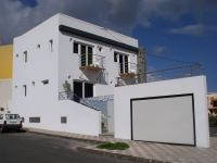 Nautilus Apartments Arinaga has one studio and comunal terrace on the first floor and three apartments on the second.