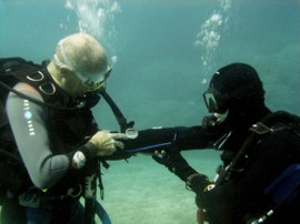 Free use of dive computers on your PADI Course in the Canary Islands