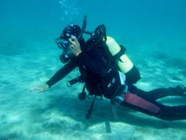 On your PADI course in Gran Canaria you learn to swim in a pool