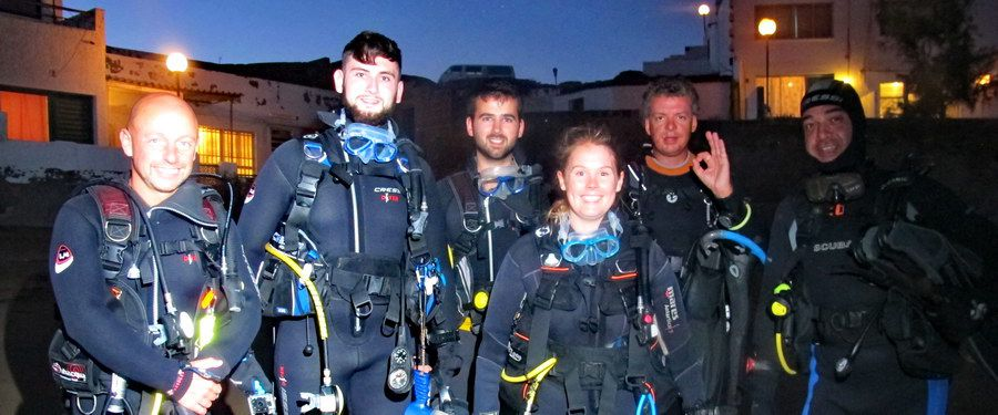 divers for night diving canary islands